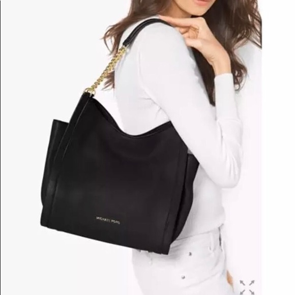 94112b4dffc Michael Kors Newbury chain MD bag black leather